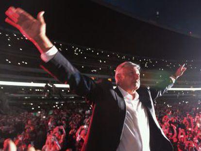 El tres veces candidato convierte su acto de cierre de campaña en una celebración por anticipado del triunfo que le auguran las encuestas