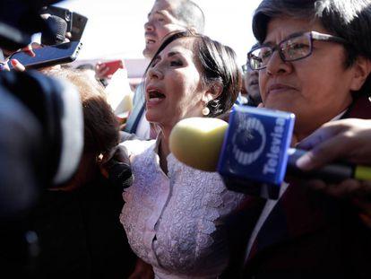 Rosario Robles llega a declarar al Reclusorio Oriente de Ciudad de México.