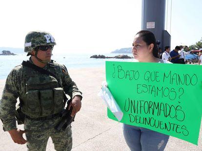 Una protesta contra el Ejército, en Acapulco.