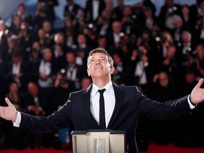 El actor Antonio Banderas premiado en el Festival de Cannes, en mayo. En vídeo, entrevista del actor para EL PAÍS en marzo.