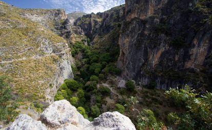 Garganta del río Monachil, en el parque natural de Sierra Nevada.