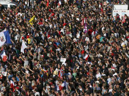 Protesta multitudinaria en París en contra de la reforma laboral el 23 de septiembre de 2017.