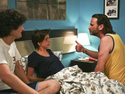 Antonio Pagudo, Macarena Gómez y Fernando Tejero, en un fotograma de 'La que se avecina'