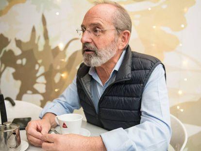 El exconcejal de Vox en Cáceres, Teófilo Amores, en una conversación con EL PAÍS.