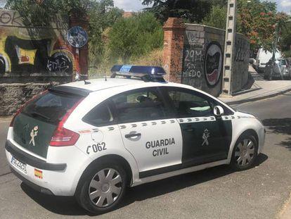 Un coche patrulla de la Guardia Civil en Collado Villalba, en una imagen de archivo.