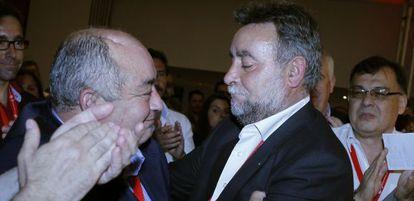 Manuel Pastrana (a la izquierda) y Francisco Fernández Sevilla, ex secretarios generales de UGT en Andalucía.