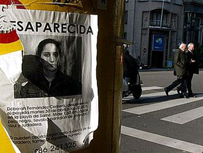 Imagen de uno de los carteles en los que se denunciaba la desaparición de Deborah Fernández en Vigo.