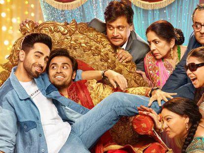 Cartel de la película 'Shubh Mangal Zyada Saavdhan', la primera en India con protagonistas homosexuales y que se ha estrenado con éxito este fin de semana. En vídeo, tráiler de la película.
