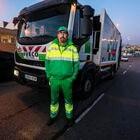 Dvd 994  26/3/20Miguel Ledesma, trabajador de recogida de residuos del Ayuntamiento de Madrid trabajando en el amanecer durante el Estado de Alarma.KIKE PARA.
