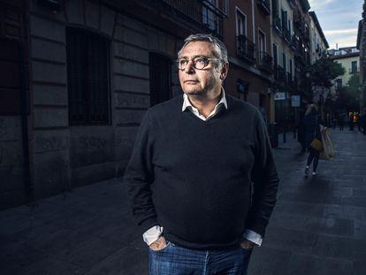El comentarista deportivo y exfutbolista Michael Robinson, en la calle de Cervantes de Madrid en enero de 2019.