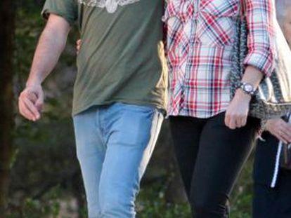 Alejandra Romero, con su novio.