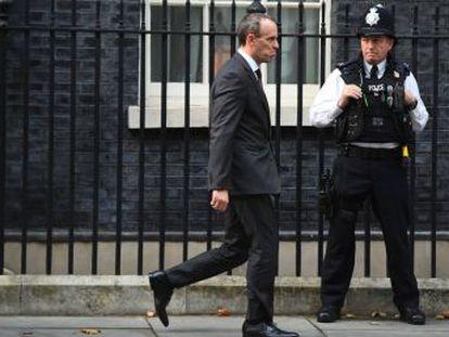 Theresa May convoca un consejo de ministros extraordinario para presentar el texto