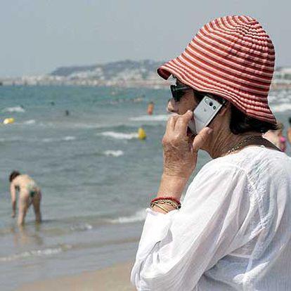 A la mar con el móvil.