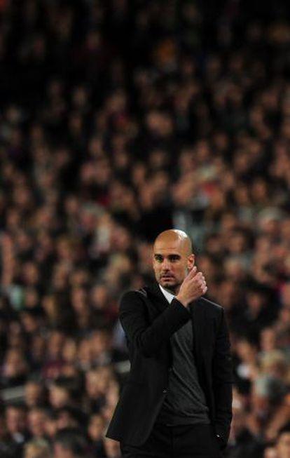 Guardiola, durante el duelo contra el Chelsea en el Camp Nou.