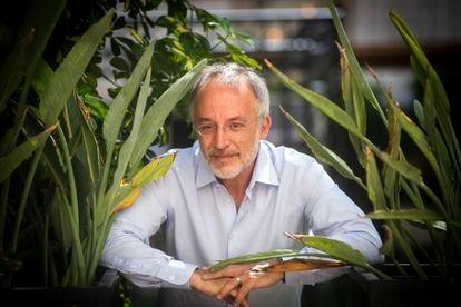 El científico italiano Stefano Mancuso, en el Centre de Cultura Contemporània de Barcelona (CCCB) este 7 de julio.