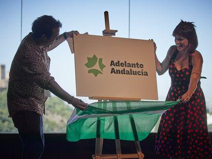 Asamblea Constituyente de Adelante Andalucía, con el alcalde de Cádiz, José María González 'Kichi', y la parlamentaria andaluza Teresa Rodríguez.