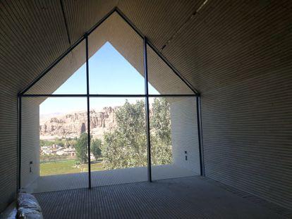 La cristalera del Centro Cultural de Bamiyán, el martes pasado.