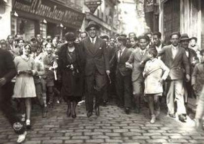 La señora Herriot acompañada por Marañón durante su visita a Toledo el 31 de octubre de 1932.