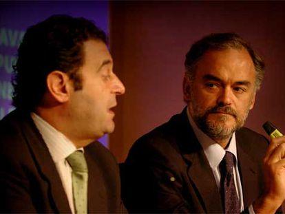 Gerardo Camps y Esteban González Pons, ayer tras el Pleno del Consell.