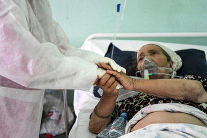 Una mujer ingresada por covid en un hospital de Beja (Túnez) el 23 de junio.