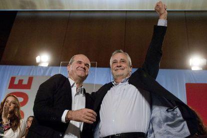 Manuel Chaves y José Antonio Griñán en un acto electoral en 2011.