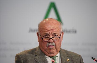 El consejero de Salud, Jesús Aguirre, durante la rueda de prensa para informar de la situación del coronavirus en la comunidad autónoma andaluza.