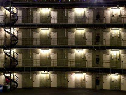 Prisión en Haarlem (Holanda). Fue diseñada por el arquitecto W. C. Metzelaar y está abierta y en uso desde 1901.