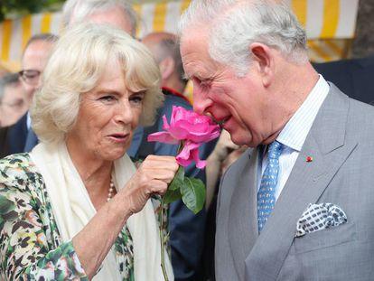 Camila de Cornualles y el príncipe Carlos.