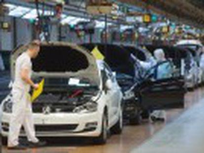 El grupo alemán tendrá que someter medio millón de vehículos a revisión en EE UU y se enfrenta a una sanción multimillonaria
