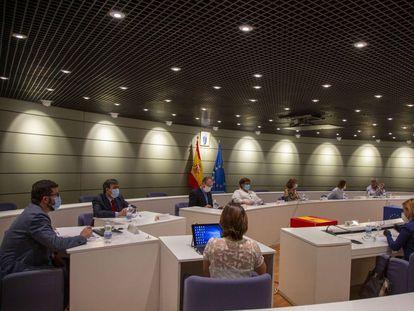 Primera sesión de la Comisión de Seguimiento Tripartita Laboral, el 20 de mayo.