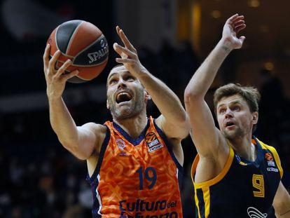 San Emeterio supera a Egor Vialtsev