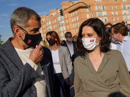 La presidenta de la Comunidad de Madrid, Isabel Díaz Ayuso, junto a Toni Cantó, el miércoles.