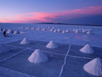 Montañas de sal en Uyuni, donde está la mayor reserva de litio del mundo.