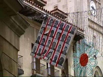 Retiran los carteles colocados en Bilbao por simpatizantes de ETA