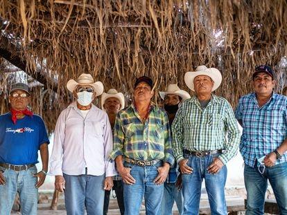 Miembros de la guardia tradicional yaqui en Vicam, Sonora.