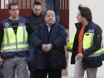 Alfonso Tezanos, presidente de FEDECAM y vocal de la CEIM, detenido, en marzo de 2014, por su implicación en el caso Aneri.