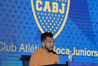 Carlos Tevez anuncia que se va de Boca Juniors durante una rueda de prensa realizada en La Bombonera, el 4 de junio.
