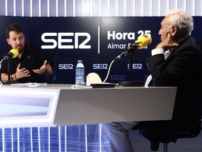Pablo Iglesias y José Manuel García-Margallo debaten en 'El ágora de Hora 25', de la cadena SER.