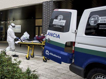 Residencia Sanitas San MArtín de Vitoria donde han fallecido ocho ancianos en los últimos 12 días por un brote de coronavirus. Foto: Lino Rico