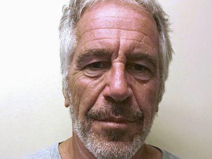 Fotografía de Jeffrey Epstein en el registro de delincuentes sexuales