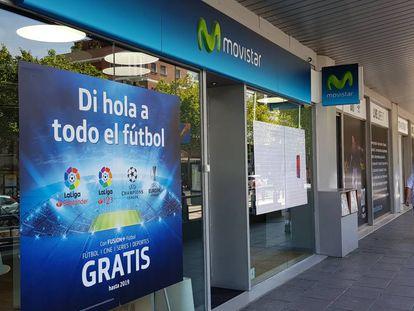 Promoción en una tienda de Movistar en Madrid.