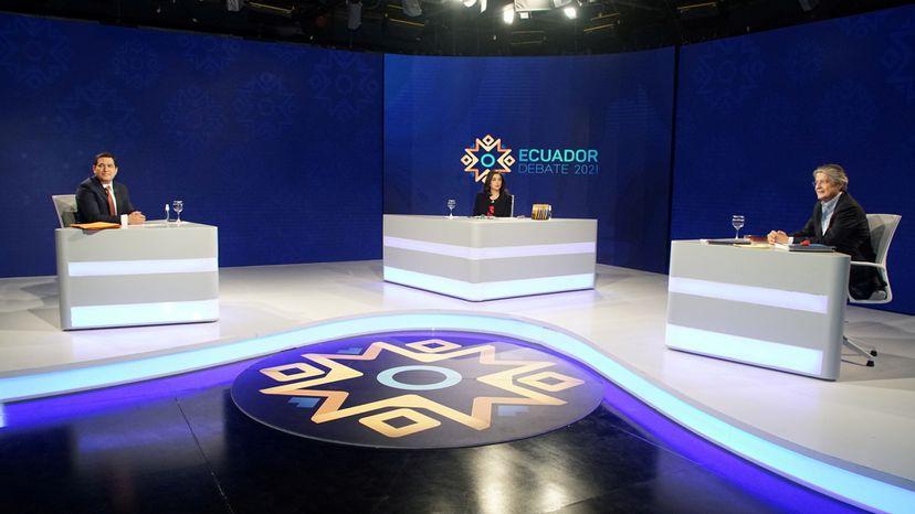 Los ataques personales entre Arauz y Lasso marcan el debate electoral previo a la segunda vuelta en Ecuador | Internacional | EL PAÍS