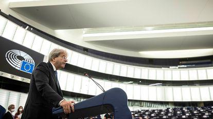 El comisario europeo de Economía, Paolo Gentiloni, el miércoles en la sede del Parlamento Europeo en Estrasburgo (Francia).