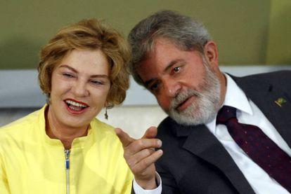 El expresidente de Brasil Lula da Silva con su esposa, Marisa Letícia, en 2007.