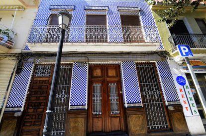 Una de las casas típicas y bien conservadas del barrio de El Cabanyal, en Valencia.