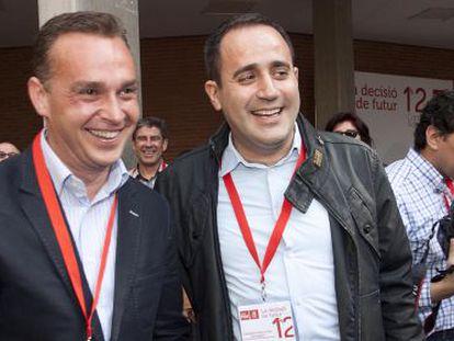 El exdiputado Francesc Romeu y el secretario general del PSPV-PSOE, Jorge Alarte, en la apertura del congreso.