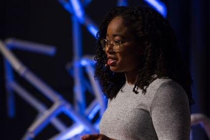 Jordan Harrod durante su intervención en TEDXBeacon Street