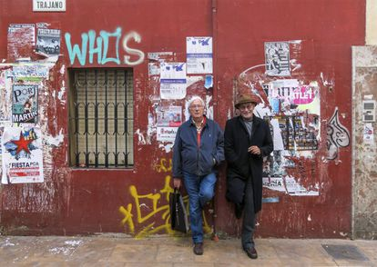 Carlos Pérez Siquier y Pablo Juliá, autor del texto, en Almería en 2015. / @jmmellado