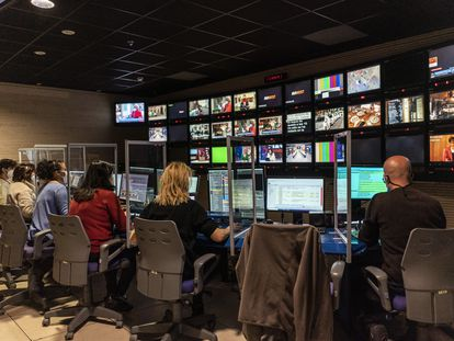 Sala de control del programa 120 Minutos, de Telemadrid.