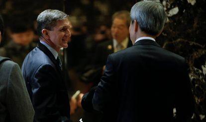 Flynn, a la izquierda, en la Torre Trump, el 4 de enero.